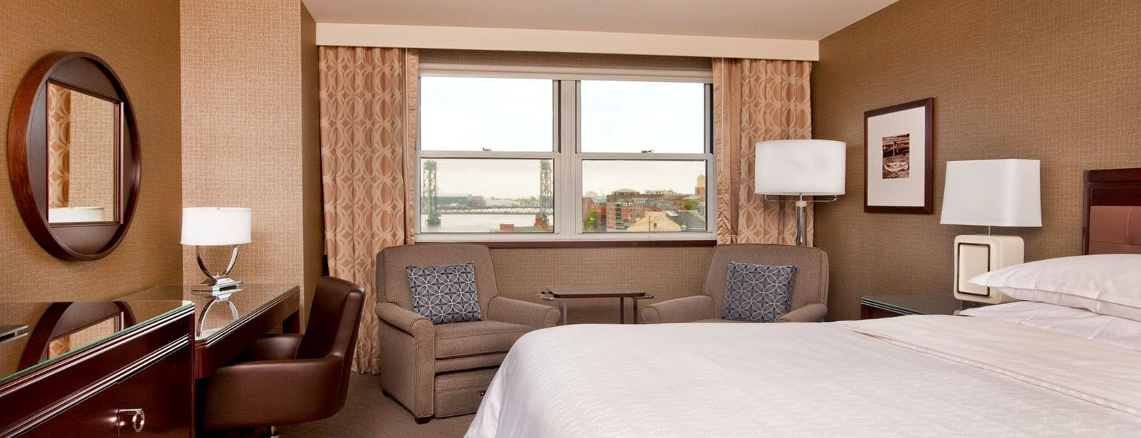 Sheraton Portsmouth Harborside Hotel Club Guest Room